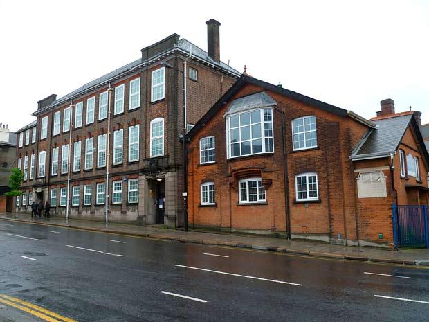 The Queen Elizabeth's Girls' School