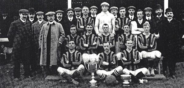 Oscar Linkson, standing to the left of the goalkeeper. Barnet Alston FC 1907-8