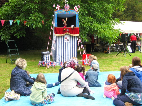 Mr Punch takes Tea in the Park
