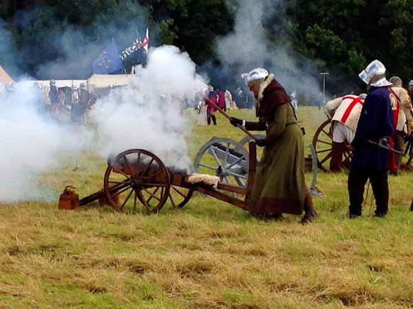 Mock cannon firing as scenes are re-created from the Battle of Barnet