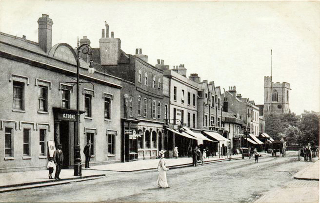 Barnet High Street looking towards Moxon Street