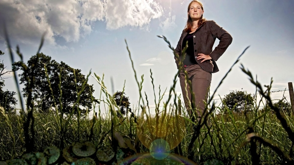 Dr Alice Roberts presents the BBC4 program 'Digging for Britain'