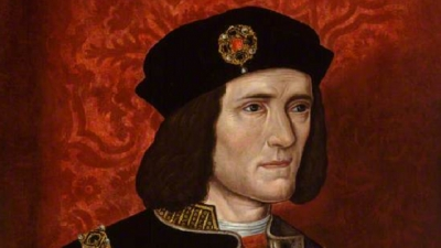 The body of King Richard III, discovered in a council car park in Leicester, is to be buried in Leicester Cathedral
