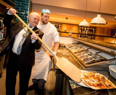 Mayor of Barnet, David Longstaff, tries his hands at making Pizzas with the Red Lion's Matt Baker